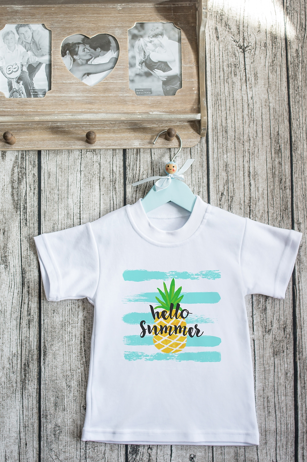 Футболка детская С надписью Hello SummerПерсональные подарки с Вашим именем<br>100% хлопок, белая. Товар является маломерным<br>